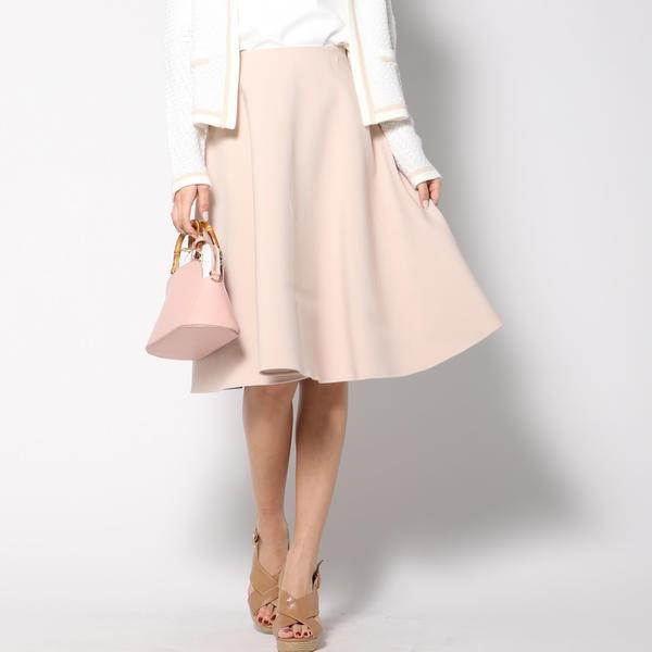 ミディ丈のスカート
